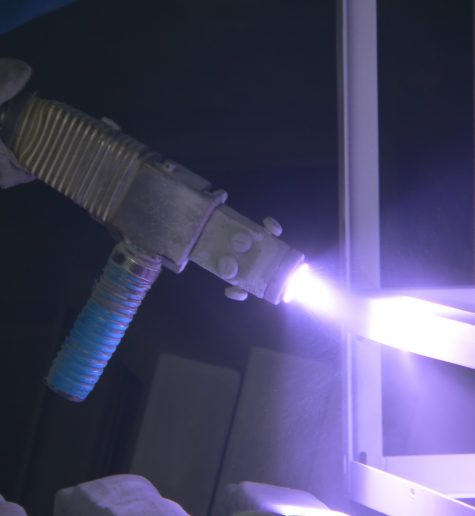 Удаление пыли от металлизации изделий
