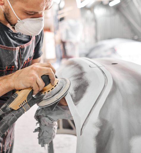 Всасывание вибрационной шлифовальной машины при шлифовании шпатлевки